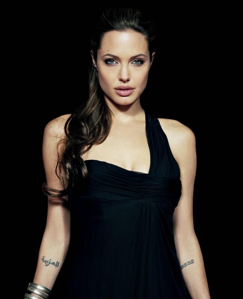 татуировка Анджелины Джоли
